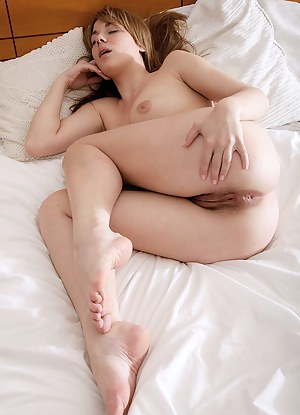 Free Sleeping Porn Pictures