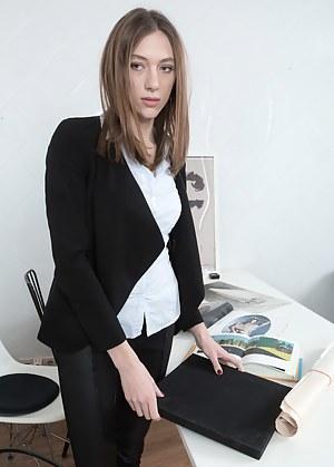 Free Secretary Porn Pictures